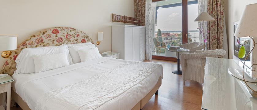 Hotel Olivi - Superior room.jpg